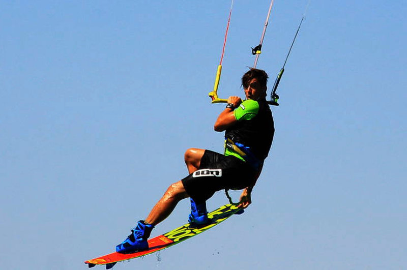 Upwind kiteboarding<br>Kiteschule am comer see