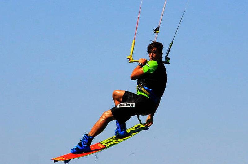 Upwind kiteboarding<br>Kiteschule am comer see